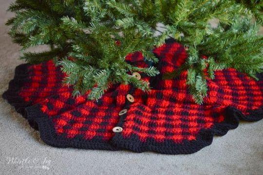 Free Crochet Plaid Tree Skirt Pattern