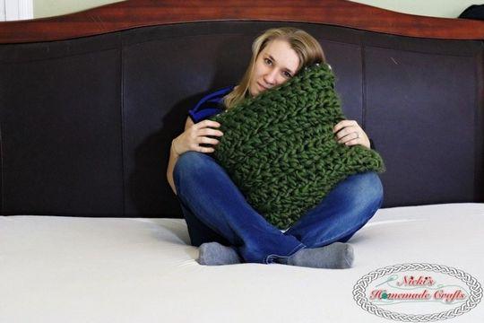 Reversible Cozy Jumbo Yarn Pillow Case
