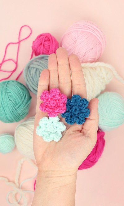 Small And Simple Crochet Flowers