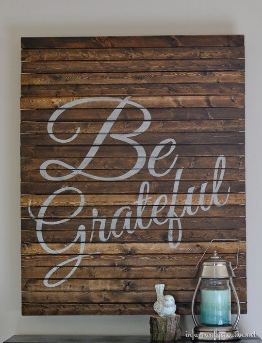 DIY Farmhouse Pallet Art