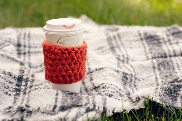 10 Minute Beginner Crochet Coffee Cozy