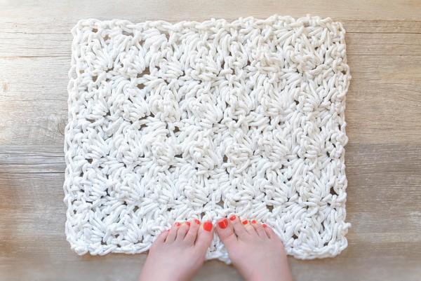 Crochet A Bath Rug With Rope