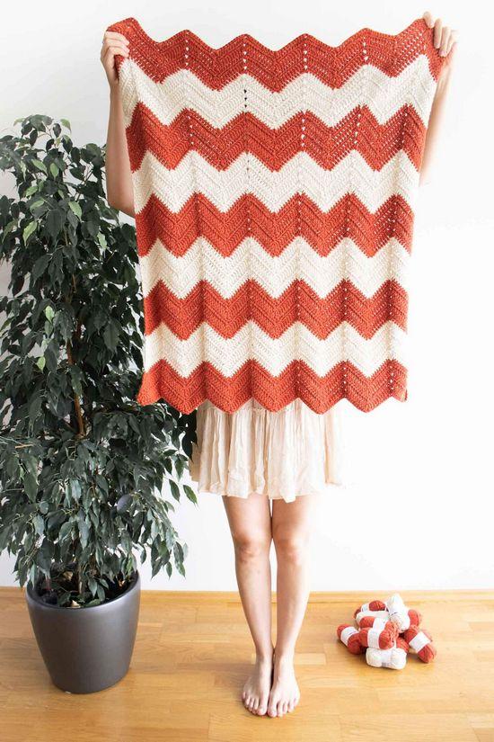 Zig-Zag Crochet Baby Blanket