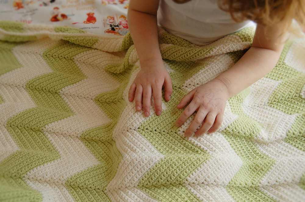 Chevron Baby Crochet Blanket with a Straight Edge