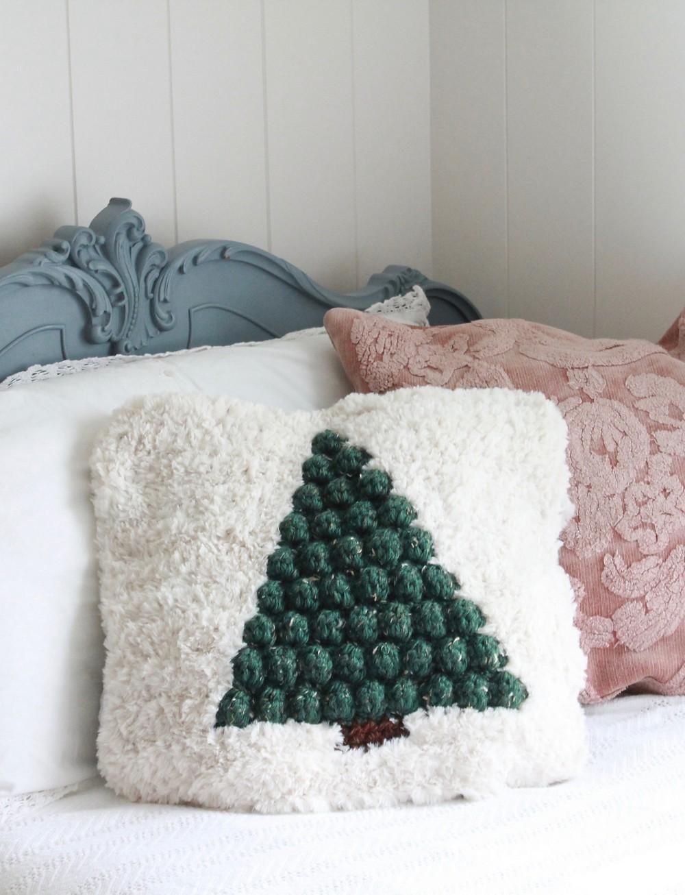 Free Crochet Pinewood Pillow Pattern