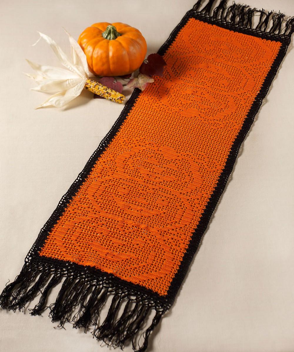 Free Crochet Stacked Pumpkin Table Runner Pattern