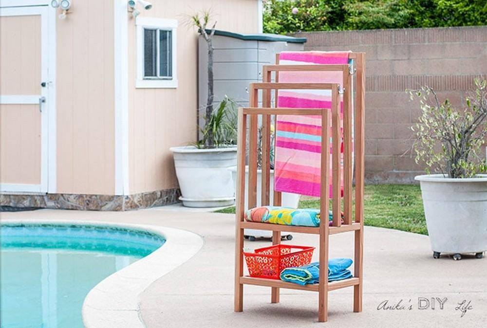 DIY Outdoor Towel Rack