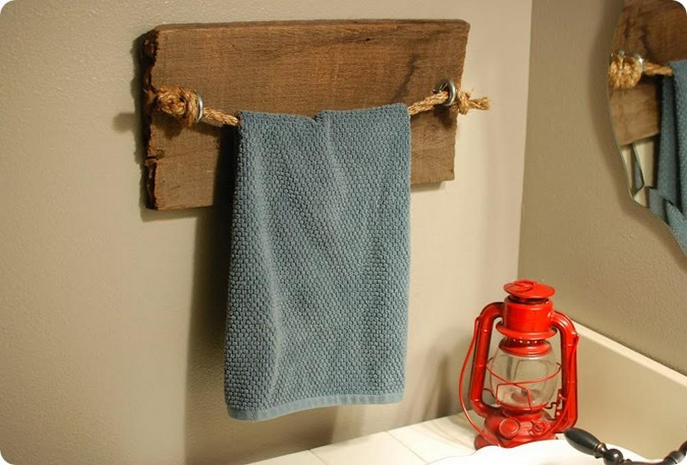 DIY Rustic Towel Bar