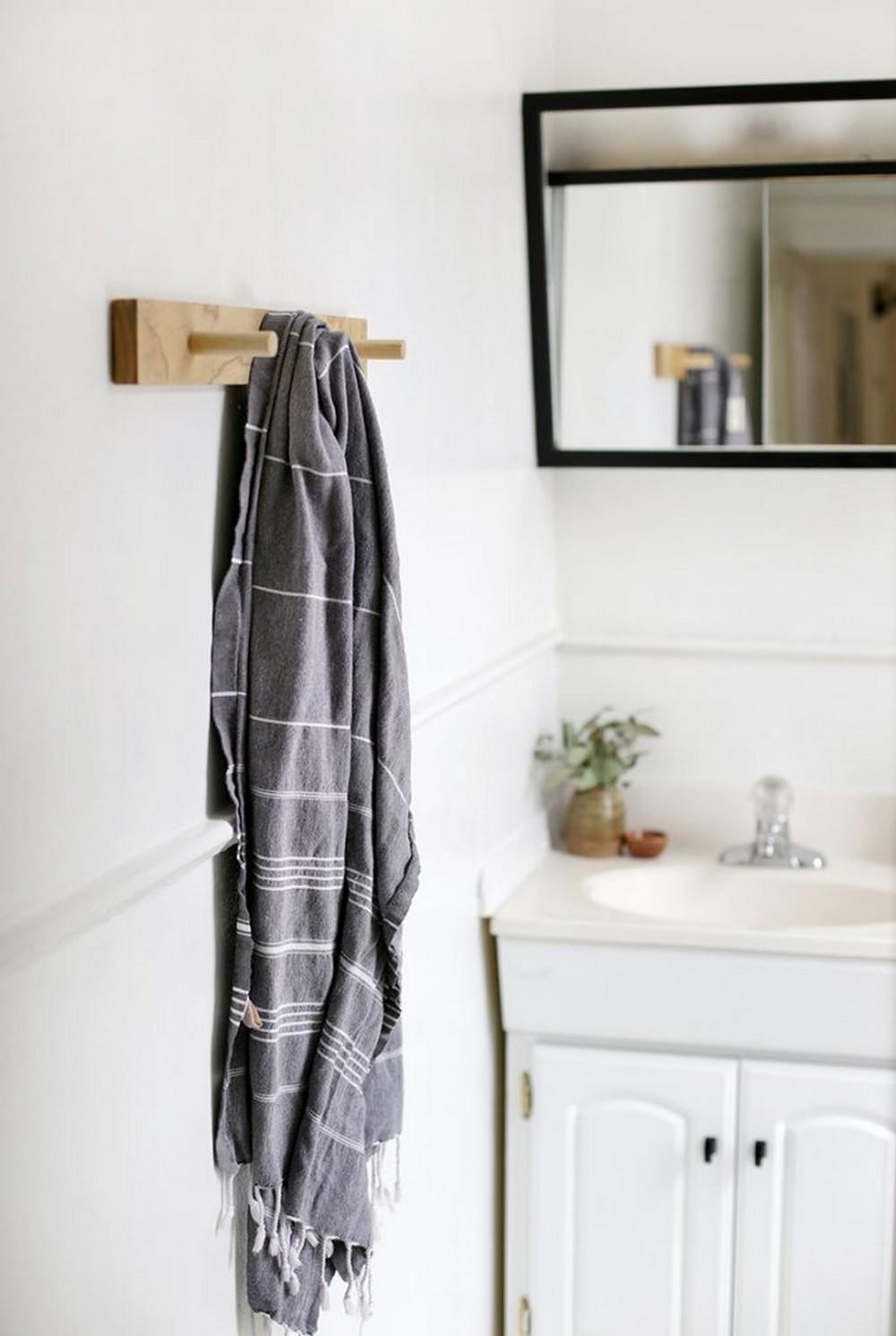 DIY Wooden Towel Rack