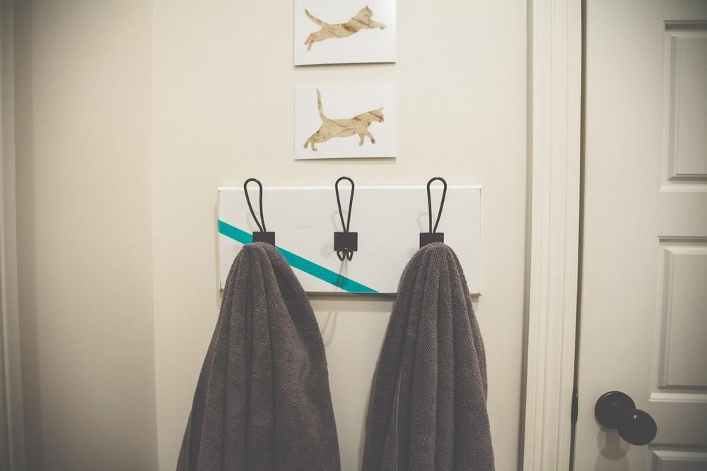 Simple DIY Towel Rack